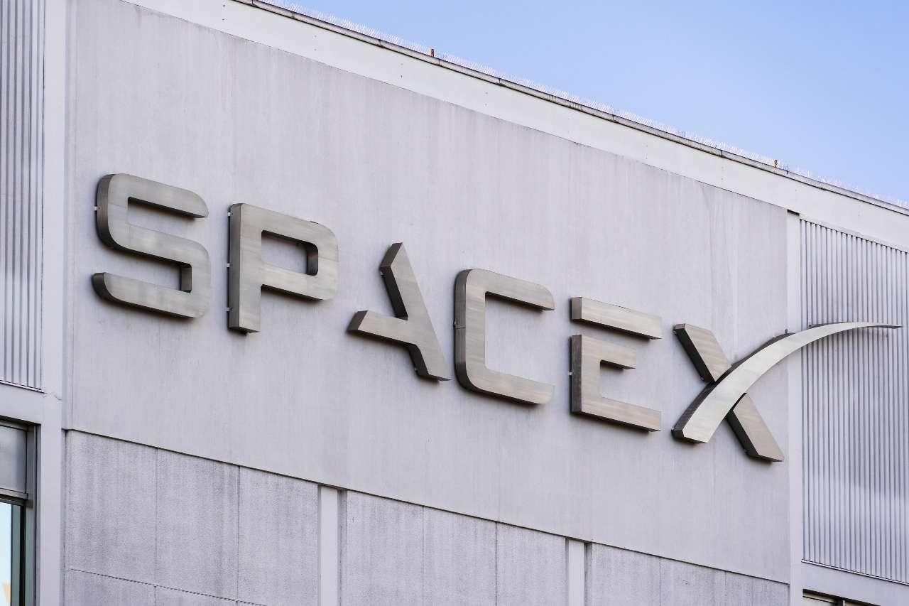 SpaceX, la compagnia spaziale di Elon Musk (Adobe Stock)