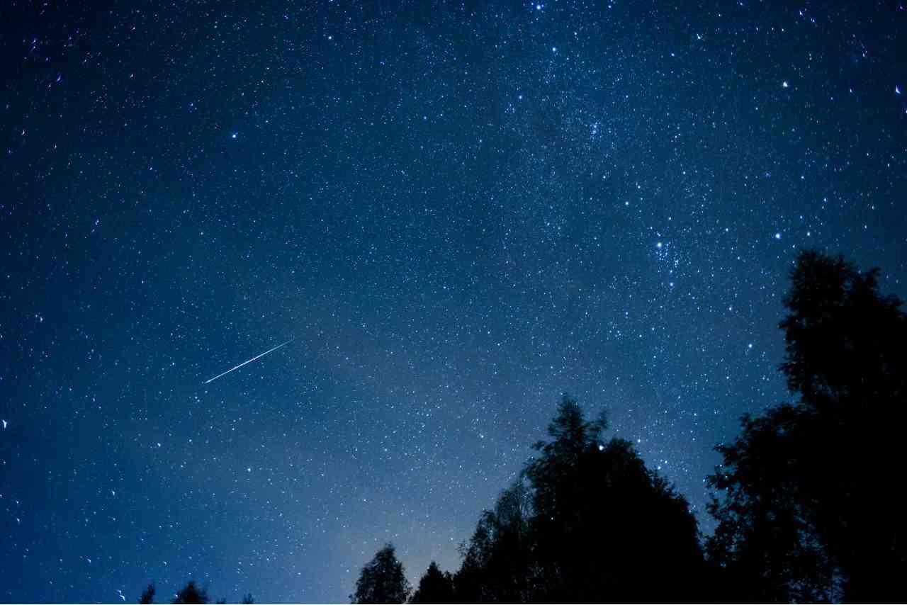 stelle cadenti (Foto Adobestock)