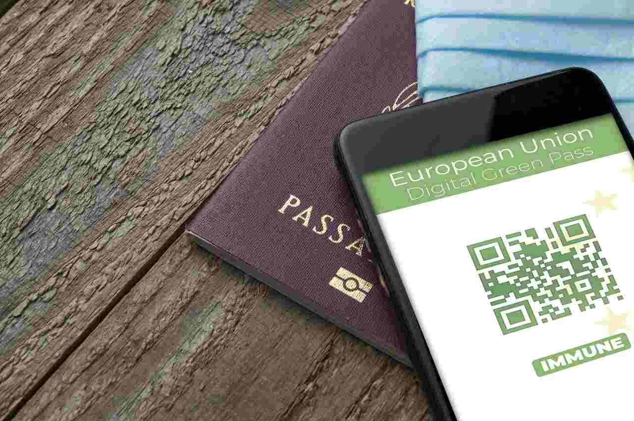 Green pass obbligatorio (foto Adobestock)