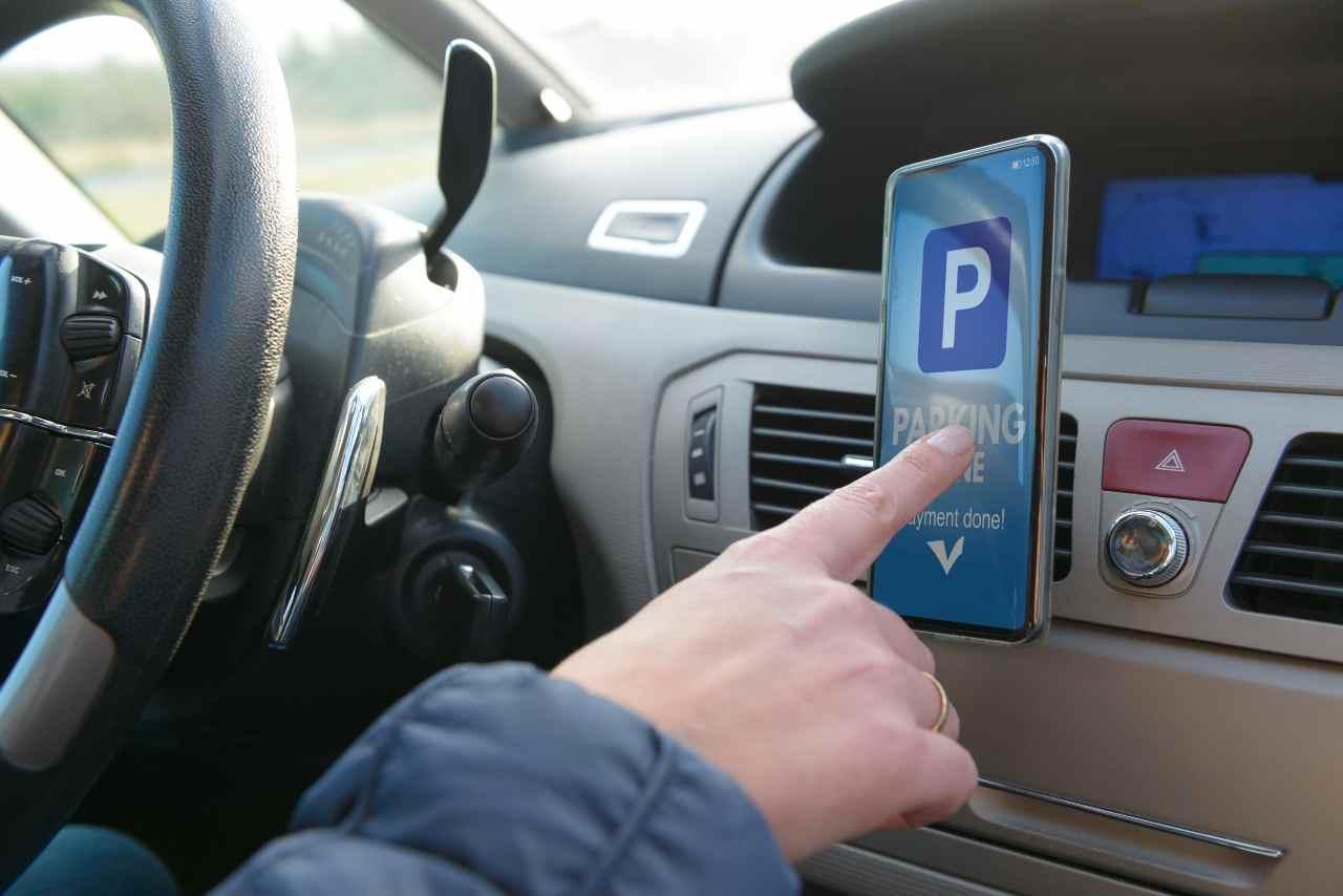 App parcheggio (Adobe Stock)