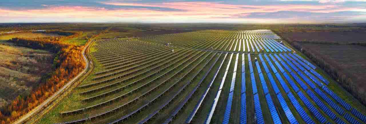 Pannelli solari (Adobe Stock)