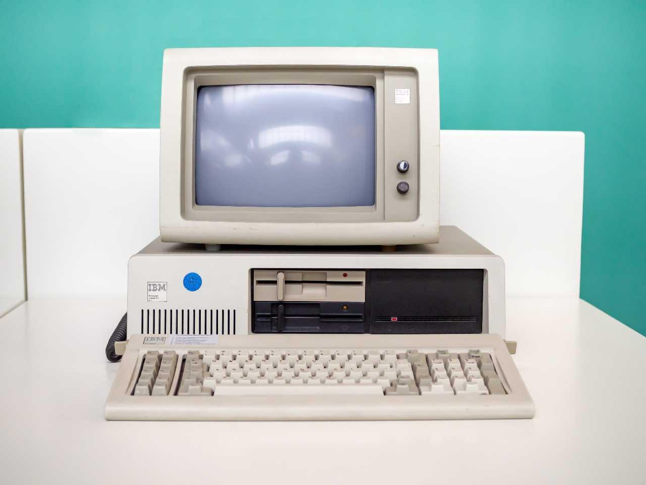 Personal Computer IBM (Adobe Stock)