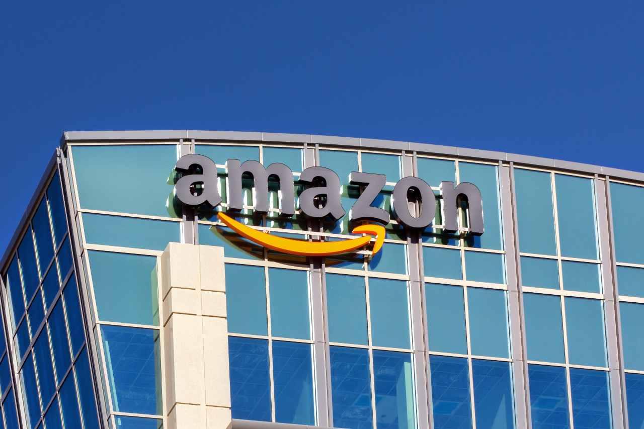 Amazon, la più grande Internet company al mondo (Adobe Stock)