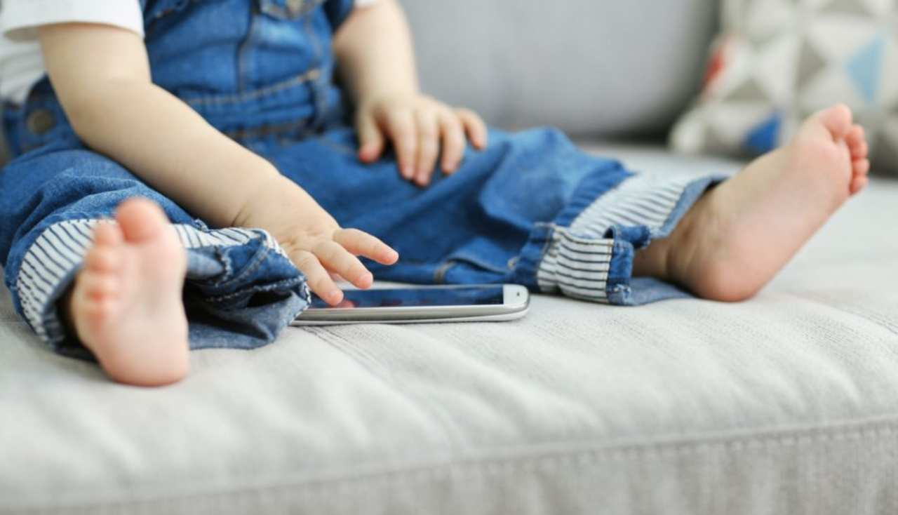 Smartphone e bambini, le regole (Foto Uppa.it)