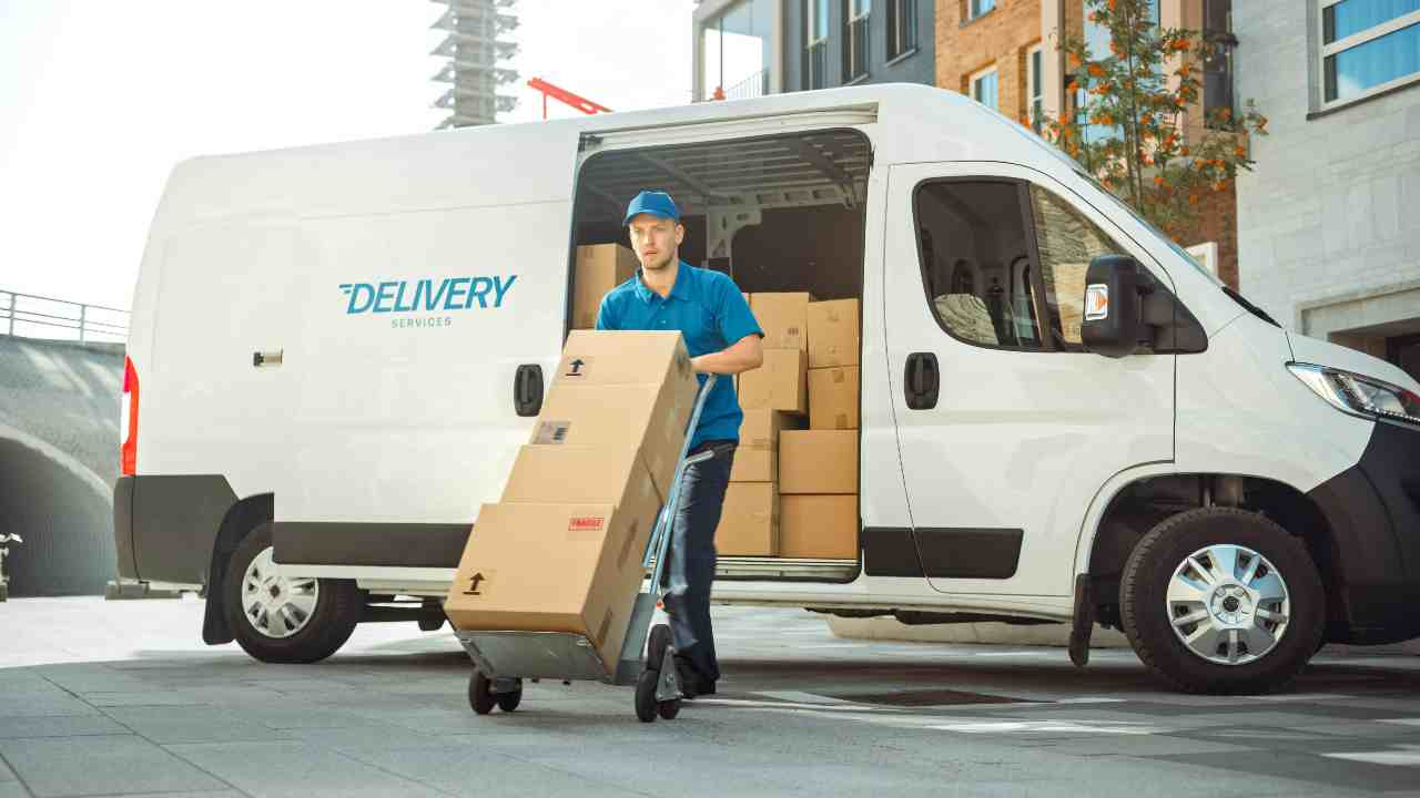 Delivery Truck (Adobe Stock)