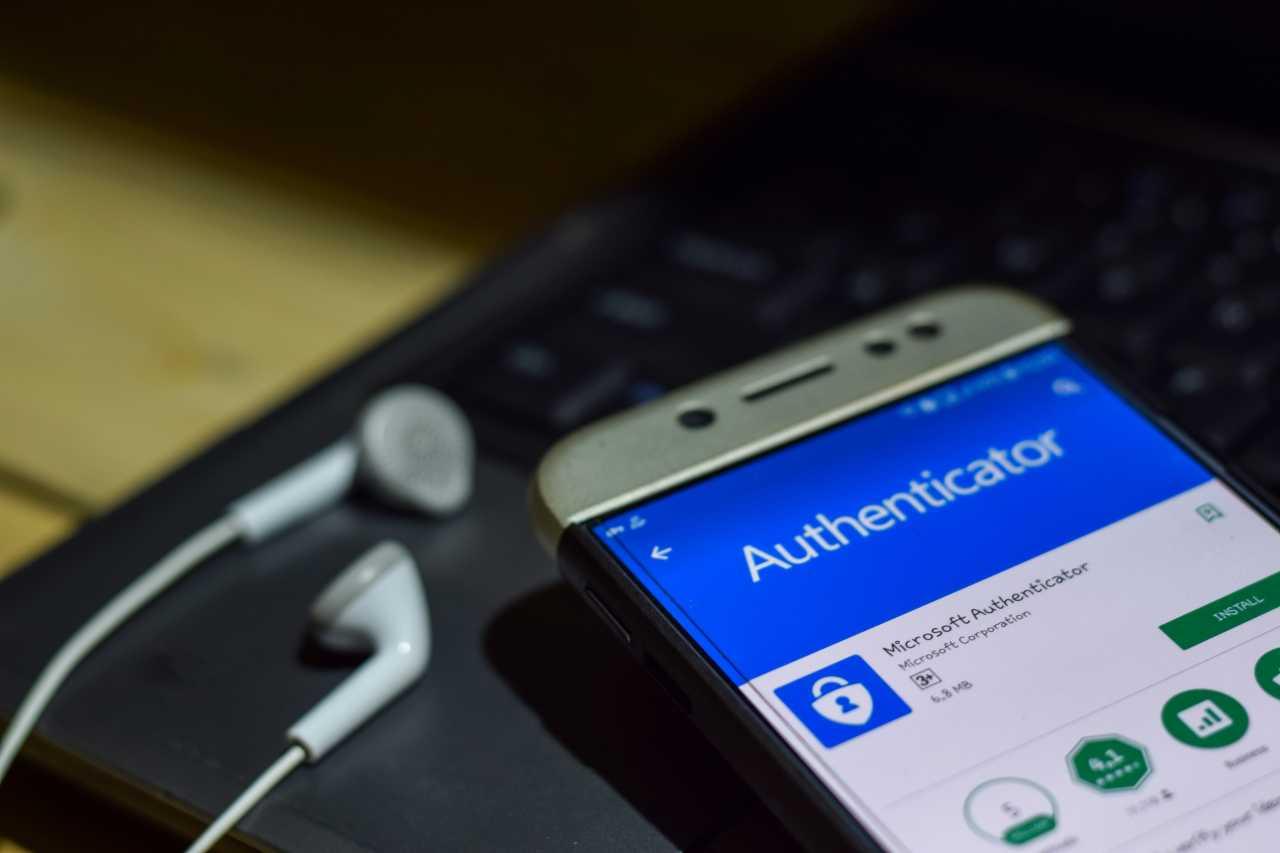 Microsoft Authenticator (Adobe Stock)_