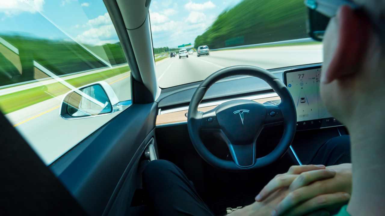 Tesla, scagionato l'Autopilot, a Palm Harbour fu errore umano (Adobe Stock)