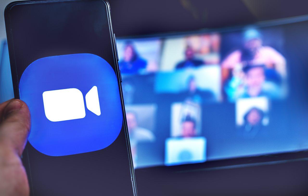 Videoconferenza Zoom (Adobe Stock)