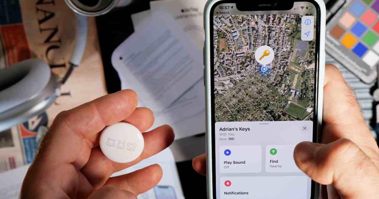 AirTag, il nuovo dispositivo di localizzazione del colosso di Cupertino (Adobe Stock)