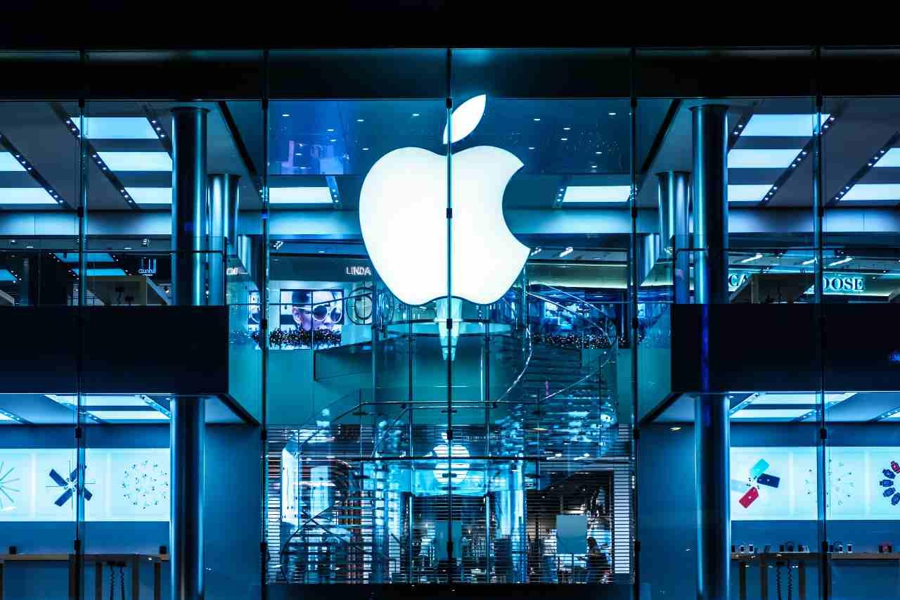 Apple ha sede a Cupertino, una città degli Stati Uniti nella contea di Santa Clara, in California