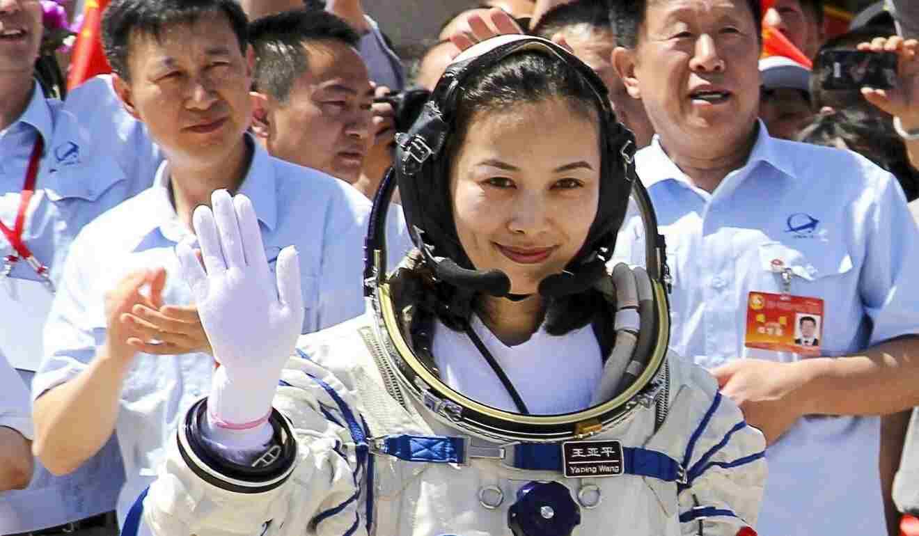 Solo due donne nella missione per la stazione spaziale cinese: Liu Yang e Wang Yaping (scmp)
