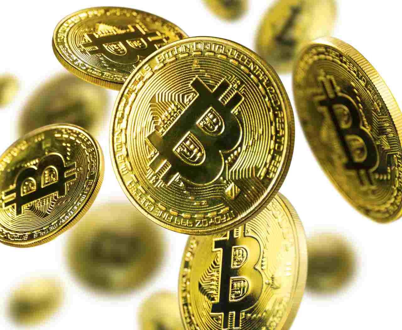 Bitcoin, la moneta digitale più conosciuta nel mondo delle criptovalute (Adobe Stock)