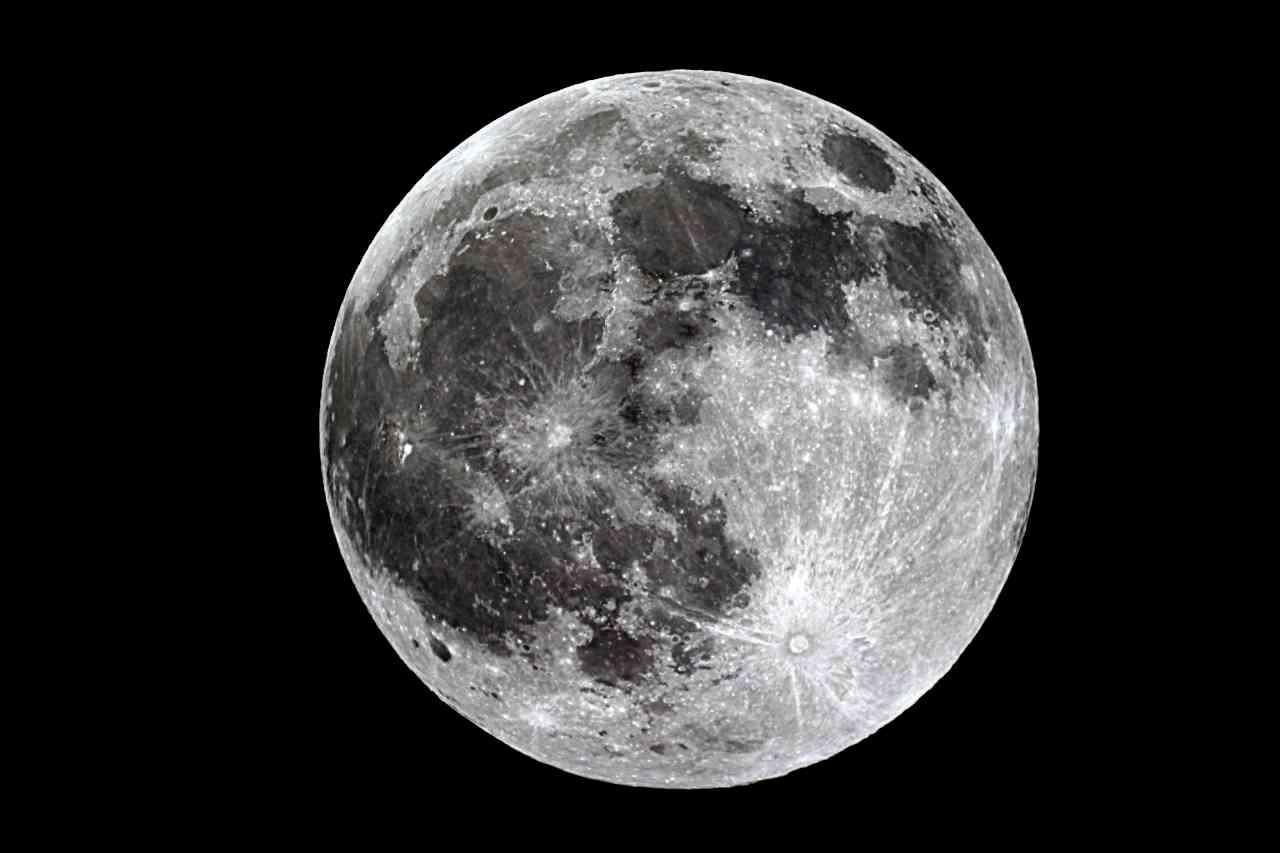 20 luglio 1969, la prima volta di un uomo sulla luna (Adobe Stock)