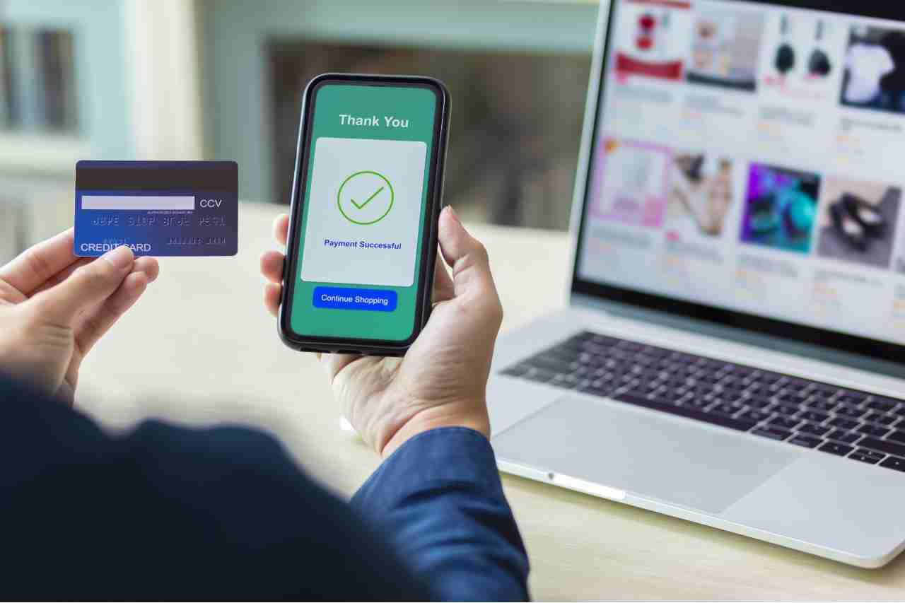 Paddle sfida Apple Pay (Adobe Stock)