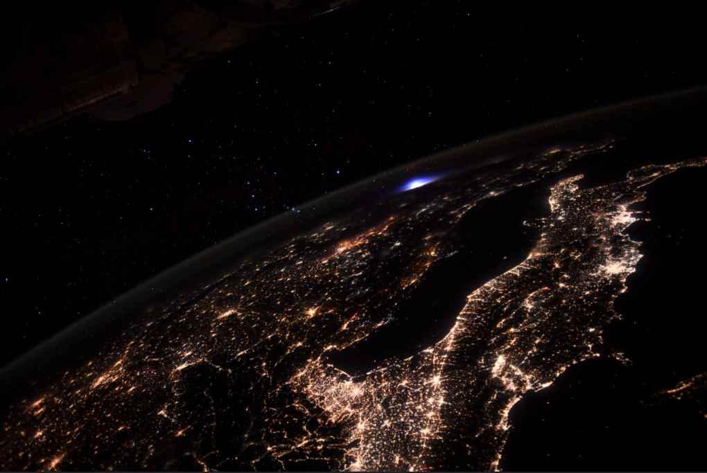 La foto di Pesquet dalla ISS