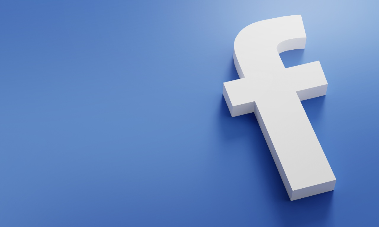 Facebook, il colosso dei social che controlla anche Instagram e whatsapp (Adobe Stock)