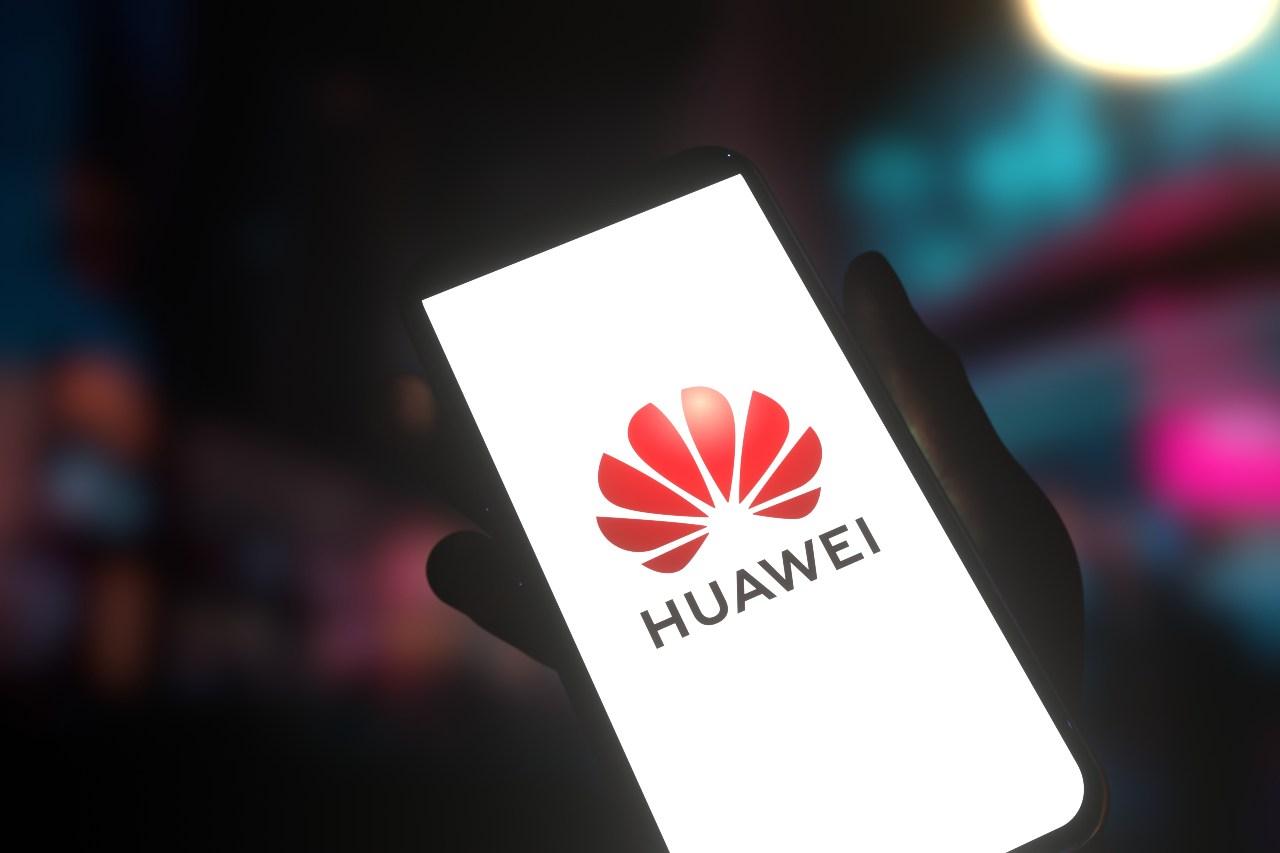 Huawei, lo scontro totale con gli Stai Uniti continua senza esclusioni di colpi (Adobe Stock)