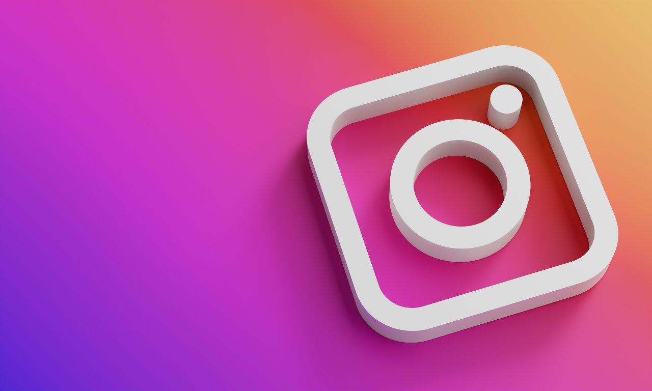 Il 6% del bambini sarebbe dipendente da Instagram (Adobe Stock)