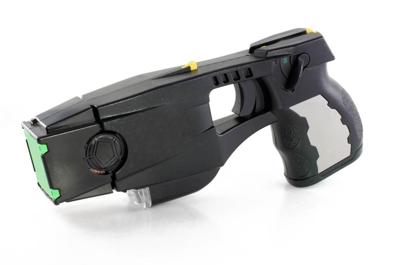 Pistola Taser, prove tecniche di polizia italiana High Tech (Adobe Stock)